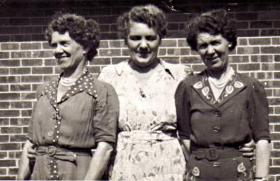 The Nuttall sisters, Marjorie, Freda and Adeline [picture].