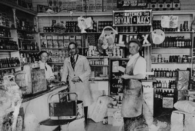 Robins Grocery Store, Mentone [picture].