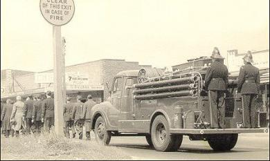 Fireman's funeral, Edithvale [picture].