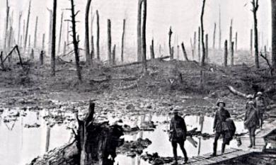Battle field in Flanders in the first World War, craters, mud, soldiers [picture].