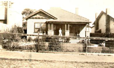 Californian bungalow with wire mesh fence in Parkdale, c1932 [picture].