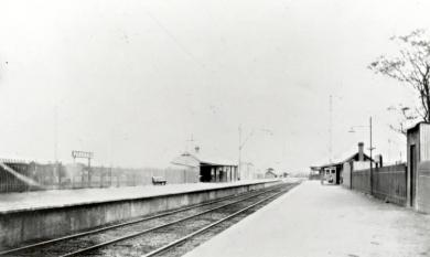 Parkdale Railway Station on Parkers Road [Picture].