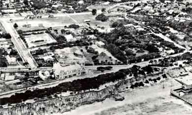 Aerial view of Mentone foreshore, Mentone Hotel, McCristal College, later St Bede's, Mentone Baths, Joseph Davies' house, Naples Road & Warrigal Road [Picture].