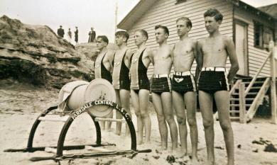 Parkdale Central Life Saving Club, Reel and Line Team on beach, c1938 [picture].