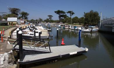 Mordialloc Creek with moored boats, looking towards Railway Bridge [picture].
