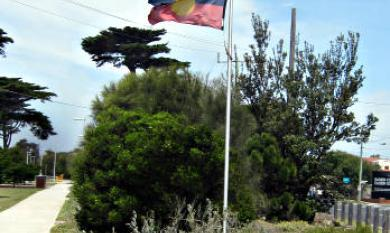 Aboriginal flag at Attenborough Park, Mordialloc [picture].