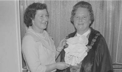 Chelsea Mayor and Mayoress, 1962 [picture].