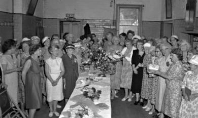 Mordialloc Country Women's Association Christmas party [picture].