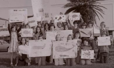 Mordialloc Primary School children 'save the whales' protest [picture].
