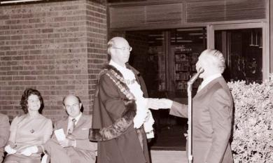 Chelsea Mayor opens Chelsea Library, 1973 [picture].