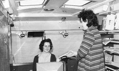 Bookmobile interior, 1972 [picture].