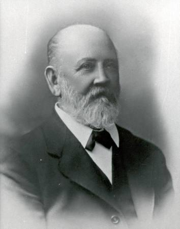 F M Scudds, publican of the Mentone Hotel and councillor and president of the Shire of Moorabbin 1906/1909 [Picture].