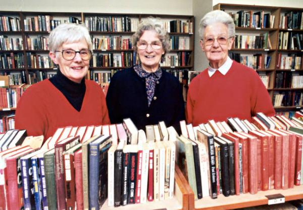 Volunteers at the Mentone Public Lending Library, Jean Critchley, Joan Templar and Ivy Scarff [picture].