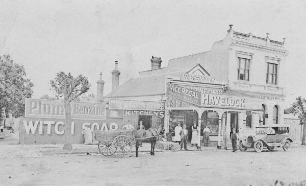 Smiley's Cash Grocer, Mentone [picture].